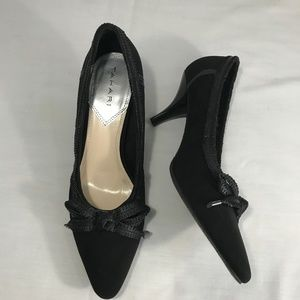 149b735d644 Tahari Shoes - Tahari Bess Kitten Heel Pointy Toe Black Pump 9